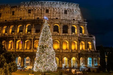 L'iconique, le légendaire Colisée de Rome, en Italie à Noël