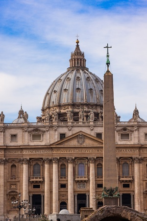 st  peter's square: St. Peters Basilica, St. Peters Square, Vatican City.