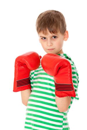 pugilist: Boxeador chico enojado aisladas sobre un fondo blanco