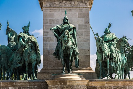 chieftain: Heroes square in Budapest, a square dedicated to the hungarian kings
