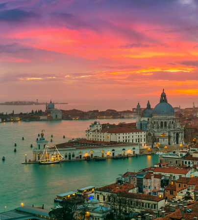 View of Basilica di Santa Maria della Salute at night under very dramatic sunset,Venice, Italy Banque d'images