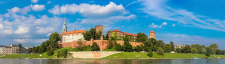 polska monument: The Wawel castle in Kracow. Panoramic view