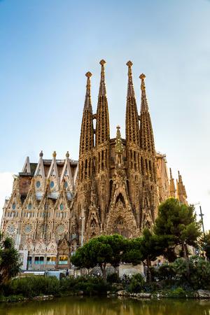 Sagrada Familia v Barceloně ve Španělsku, v letní den Reklamní fotografie - 38158356