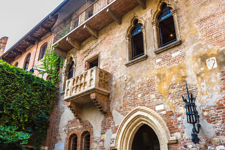 Romeo und Julia Balkon in Verona, Italien Standard-Bild - 38611776