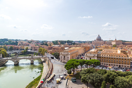 st  peter's basilica pope: Basilica of St. Peter in a summer day in Vatican Editorial