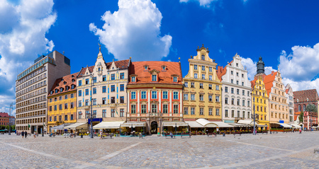 polen: City center and Market Square in Wroclaw, Poland