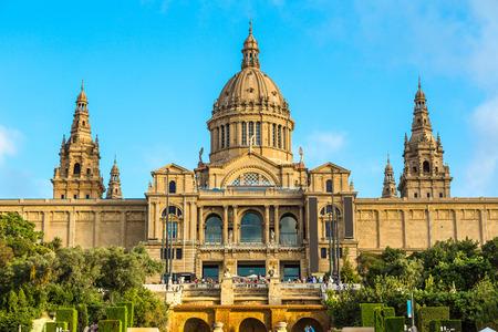 espanya: Placa de Ispania (The National Museum) in Barcelona, Spain in a summer day