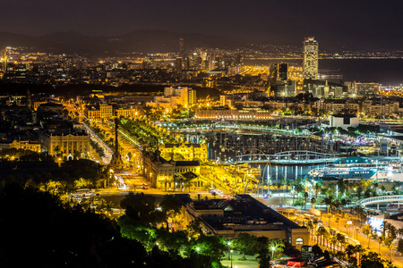 Vista panoramica di Barcellona e porto in Spagna Archivio Fotografico - 43359945