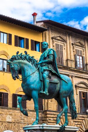 medici: Statue of Cosimo I de Medici in Florence, Italy