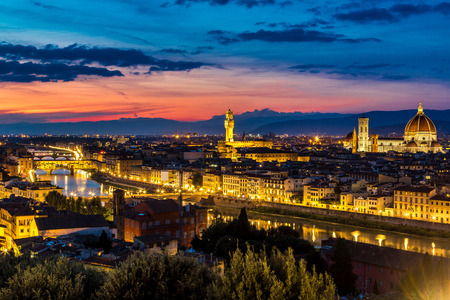 fiore: Panoramic sunset over cathedral of Santa Maria del Fiore in Florence, Italy