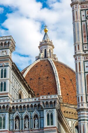 santa maria del fiore: Santa Maria del Fiore in Florence in a summer day, Italy