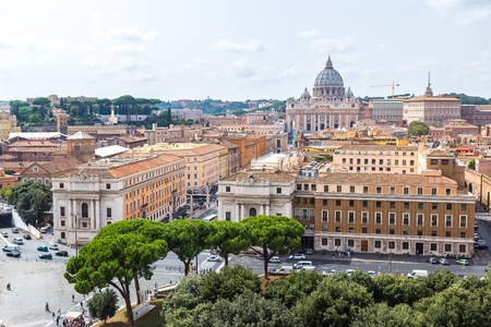 st  peter's basilica pope: Basilica of St. Peter in a summer day in Vatican Stock Photo