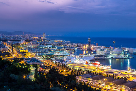 Panoramic view of Barcelona and port in Spain Imagens