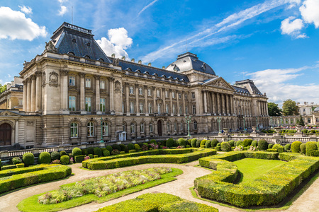 the royal: The Royal Palace in Brussels in a beautiful summer day