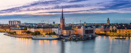스톡홀름, 스웨덴에서 올드 타운 (Gamla 스탠) 아키텍처의 경치 여름 밤 파노라마