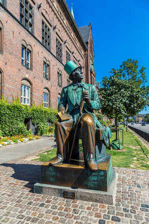 hans: Monument of Hans Christian Andersen in Copenhagen, Denmark.