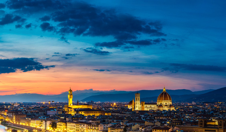 michelangelo: Panoramic sunset over cathedral of Santa Maria del Fiore in Florence, Italy