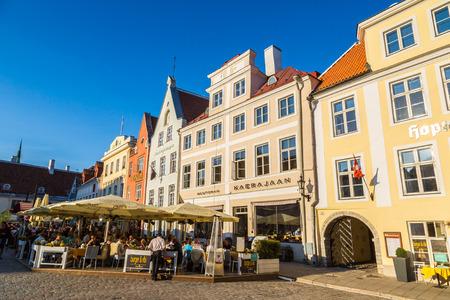 tallin: TALLINN, ESTONIA - JUNE 23, 2016: Tallinn Old Town in a beautiful summer day, Estonia on June 23, 2016