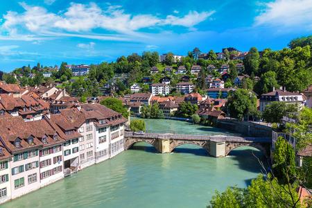 Vue panoramique de Berne dans un beau jour d'été, Suisse