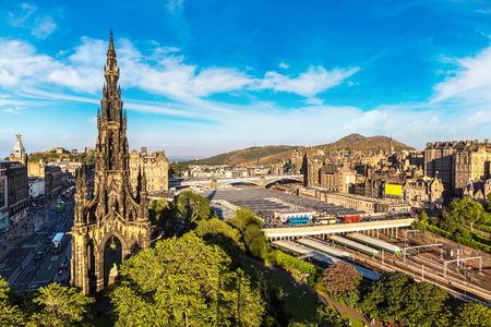 scott monument: The Walter Scott Monument in Edinburgh in a beautiful summer day, Scotland, United Kingdom Stock Photo