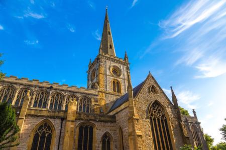 Chiesa di Santa Trinità a Stratford upon Avon in una bella giornata estiva, Inghilterra, Regno Unito Archivio Fotografico