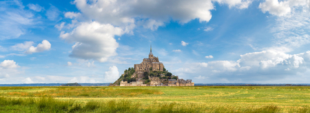 Panorama of Mont Saint Michele abbey in a beautiful summer day, France Reklamní fotografie