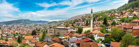 Panoramic aerial view of Sarajevo in a beautiful summer day, Bosnia and Herzegovina Stockfoto