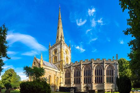 아름다운 여름 하루에 스트랫 퍼드 어폰에 이번의 홀리 트리니티 교회, 영국, 미국, 영국