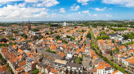 Panoramic aerial view of Delft in a beautiful summer day, The Netherlands Stockfoto