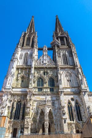 Regensburg-Kathedrale St Peter, Deutschland an einem schönen Sommertag Editorial