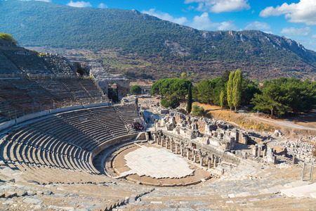 Amphitheater (Coliseum) in ancient city Ephesus, Turkey in a beautiful summer day Фото со стока - 89103799