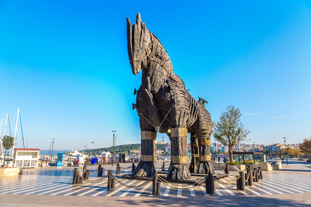 """CANAKKALE, TURCHIA - 21 LUGLIO 2017: Cavallo di Troia in Canakkale in una bella giornata estiva, Turchia. Questo cavallo è stato uesd nel film """"Troy"""""""