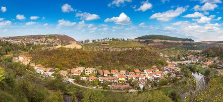 Veliko Tarnovo op een mooie zomerdag, Bulgarije Stockfoto