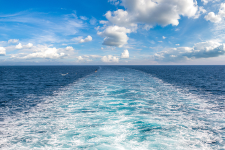 Boat trace in the sea in a summer day Stockfoto