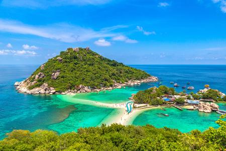 Nang Yuan Island, Koh Tao, Thailand in a summer day
