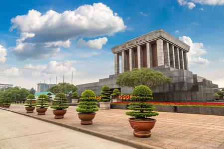 Mausoleo di Ho Chi Minh ad Hanoi, Vietnam in un giorno d'estate