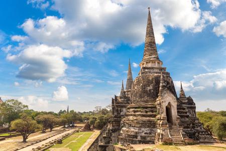 Ayutthaya Historical Park in Ayutthaya, Thailand in a summer day Imagens
