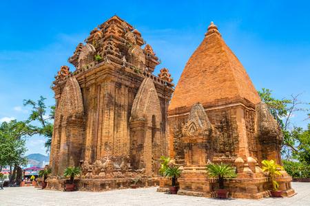 Ponagar (Thap Ba Po Nagar) - Cham-tempel in Nha Trang, Vietnam in een zomerdag Stockfoto