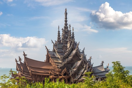 Sanctuary of Truth in Pattaya, Thailand in a summer day Imagens