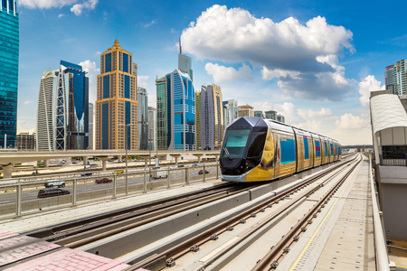 New modern tram in Dubai, United Arab Emirates 版權商用圖片