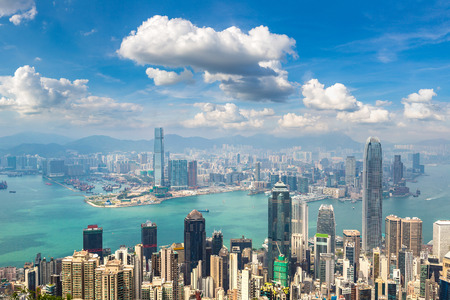 Panoramic view of Hong Kong business district in a summer day Imagens
