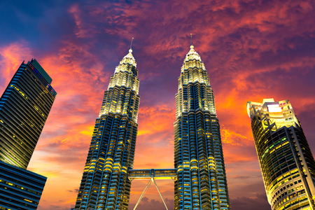 KUALA LUMPUR, MALAYSIA - JUNE 12, 2018: Petronas Towers is the tallest buildings in Kuala Lumpur, Malaysia at summer night Redakční