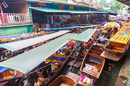 BANGKOK, THAILAND - MARCH 22, 2018: Floating market in Thailand in a summer day Redakční