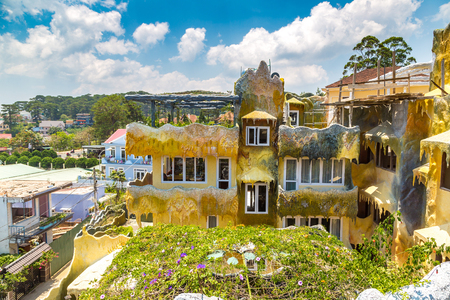 DA LAT, VIETNAM - JUNE 19, 2018: Crazy House (Hang Nga guesthouse) in Dalat, Vietnam in a summer day Redakční