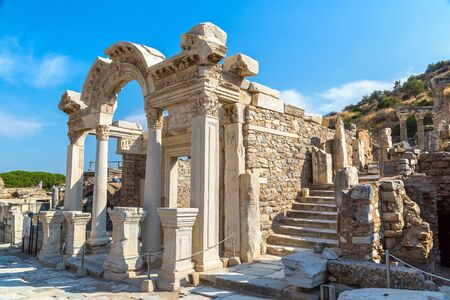 Ruins of the ancient city Ephesus, the ancient Greek city in Turkey, in a beautiful summer day 版權商用圖片