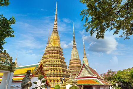Wat Pho Temple in Bangkok in a summer day Banque d'images - 125336115