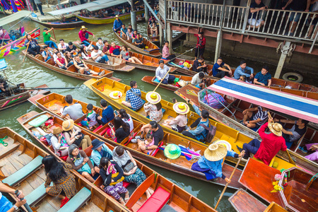 BANGKOK, THAILAND - MARCH 22, 2018: Floating market in Thailand in a summer day Sajtókép