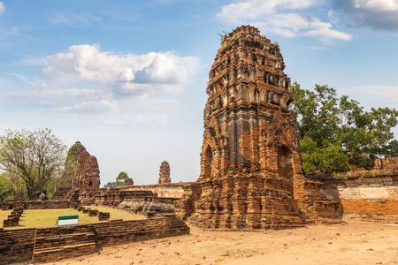 Ayutthaya Historical Park in Ayutthaya, Thailand in a summer day Redakční