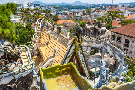 DA LAT, VIETNAM - JUNE 19, 2018: Crazy House (Hang Nga guesthouse) in Dalat, Vietnam in a summer day Redakční