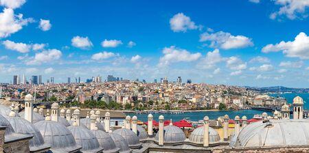 イスタンブールの眺め、美しい夏の日にトルコ
